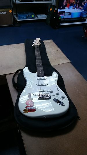 Fender Squier Stratocaster Bullet Series Artic White for Sale in Fort Lauderdale, FL