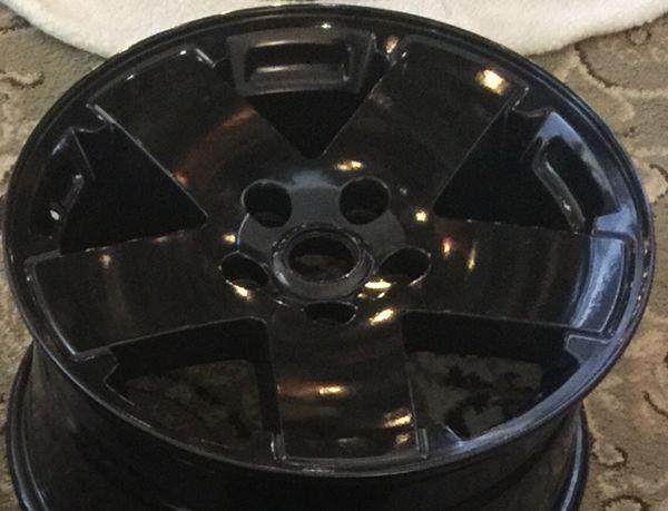 Jeep Wrangler Gloss Black 18 wheels + Jeep center caps