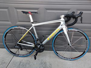 TREK MADONE 5.2 DI2 ULTREGRA 54 SIZE ALL CARBON ROAD BIKE for Sale in Palmdale, CA