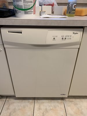 Whirlpool dishwasher in great condition for Sale in Southwest Ranches, FL