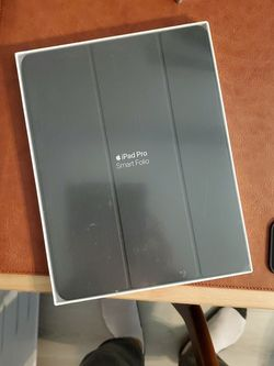 Apple iPad PRO Smart Folio For 12.9 3rd Gen for Sale in Edgewater,  NJ