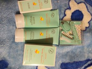 Perfume de bebe set for Sale in Corona, CA