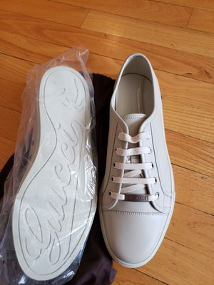 Gucci Mystic White Leather Low Top Sneaker Size 11 for Sale in Chicago, IL