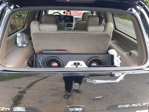 12s box and 4800 watt amp for Sale in Cleveland, OH