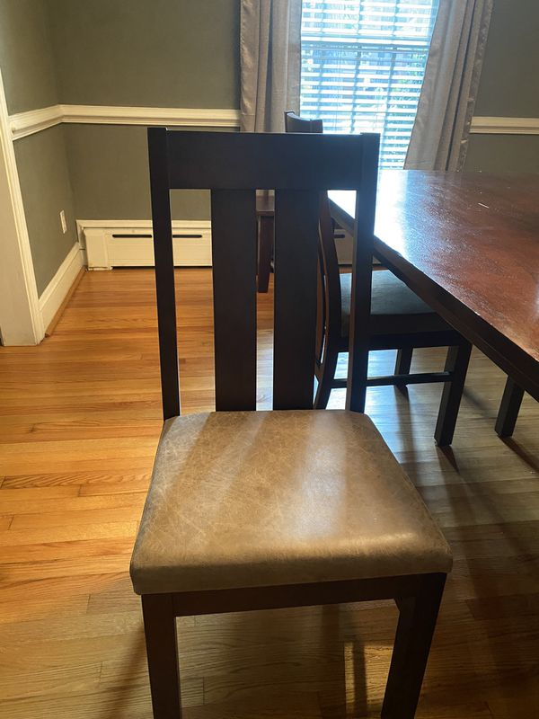 Pottery Barn Solid Wood Dining Table Set With 4 Chairs