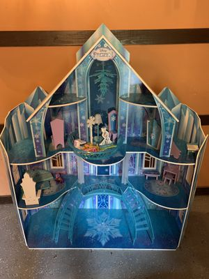 Frozen Elsa Castle Life Size Doll House for Sale in Portland, OR
