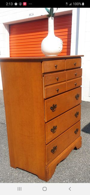 QUALITY SOLID WOOD CHEST DRAWER WORKING WELL GOOD CONDITION for Sale in Fairfax, VA
