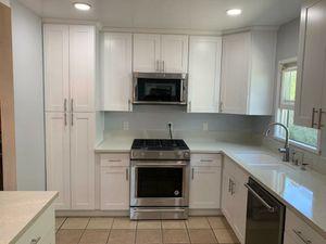 Cocinas y baños for Sale in Beaumont, CA