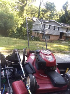 I have My Personal Craftsman 6.75 Horsepower, Ready to Start 22Cutt Self Propelled Runs an Cutt Good$95.00 Buck's come pick it up Today for Sale in Hapeville, GA
