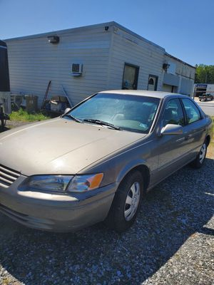 1999 Toyota camry for Sale in Lynchburg, VA