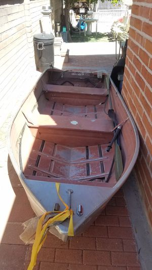 12 ft aluminum boat for Sale in Tucson, AZ