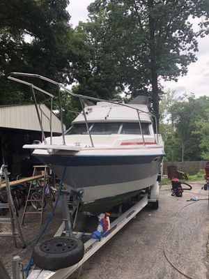 1989 bayliner 2556 ciera command bridge with Trailer FOR BARTER for Sale in Saint Charles, MO