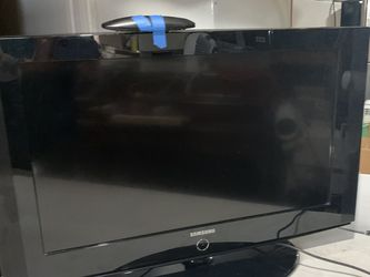 "Samsung 32"" TV With Remote - Works Great! for Sale in Clementon,  NJ"