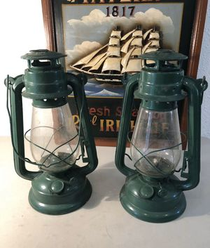 Two (2) Green Vintage Kerosene Oil Lamps Barn Camping Lantern Clear Glass Globe for Sale in Struthers, OH