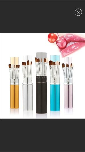 Mini makeup brush set with canister case for Sale in West Jordan, UT