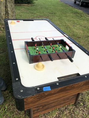 Air hockey table for Sale in Hilliard, OH