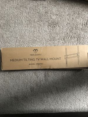 Medium tilting tv wall mount for Sale in Nashville, TN