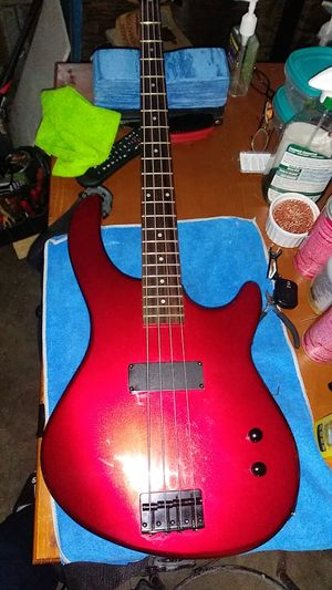 Electric guitar bass for Sale in Pasadena, TX