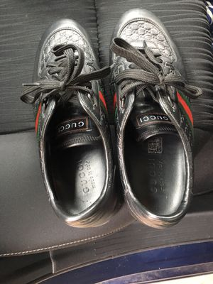 100% authentic Gucci shoes for sale size 9 1/2 and very good condition for Sale in Washington, DC
