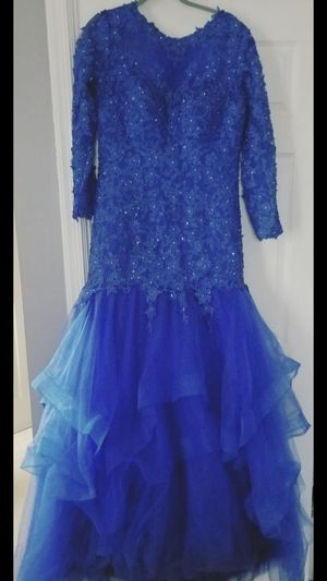Prom dress XL size royal blue for Sale in Alexandria, VA