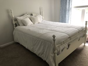 White Queen sized bed frame for Sale in High Point, NC