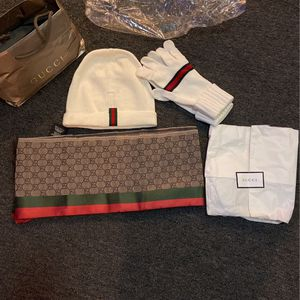 Gucci Scarf & Beanie & Gloves Unisex for Sale in San Francisco, CA