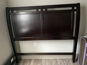 Queen size bed frame for Sale in Midland, TX