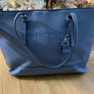 Women Guess pale blue tote bag, normal wear for Sale in Hinsdale, IL