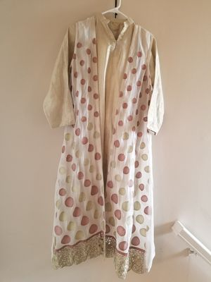 Four piece off white dress for Sale in Leesburg, VA