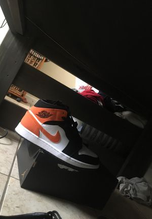 Air Jordan Shattered 1s for Sale in Beaumont, TX