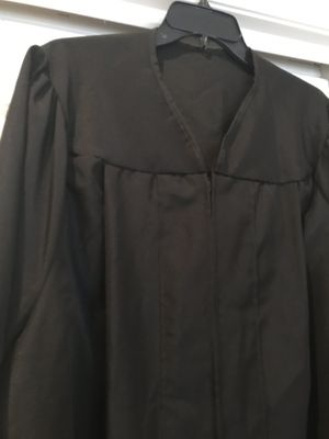 "Black graduation gown for 5'11-6'0"" people for Sale in Potomac Falls, VA"