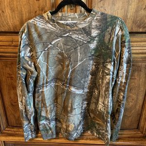 🦆🔫 Hunting zone long sleeve Tee for Sale in Fresno, CA