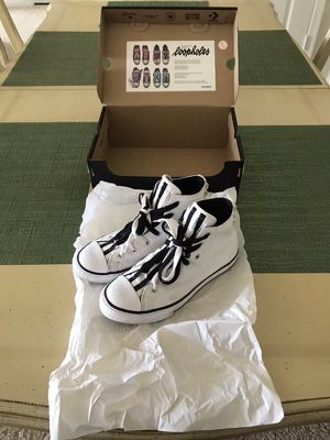 Converse White/Black Hi-Top Loopholes Size 4 for Sale in Fairfax, VA