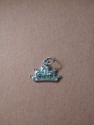 Queen charm pendant for Sale in OR, US