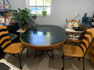 Kitchen table & 4 chairs for Sale in FL, US
