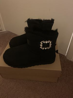 100% Authentic Brand New in Box UGG Classic Mini Side Brooch Boots / Color Black / Women size 6 and Women size 7 and women size 8 for Sale in Walnut Creek, CA