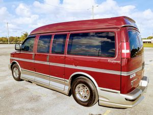 2004 CHEVY EXPRESS 1500 EXPLORER LIMITED EDITION CONVERSION VAN for Sale in Miami, FL