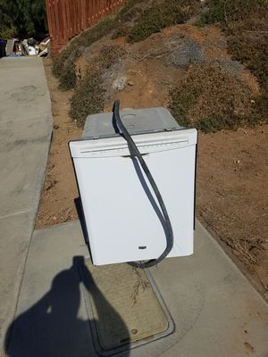 Free dish washer and plant pots for Sale in Riverside, CA