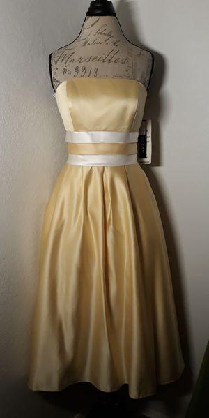 Gorgeous Yellow & White Satin Formal Dress for Sale in Las Vegas, NV