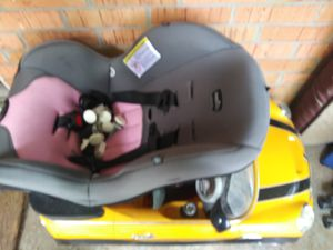 Girl car seat for Sale in Owasso, OK