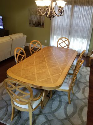 Dining room table & 8 chairs for Sale in Lumberton, TX
