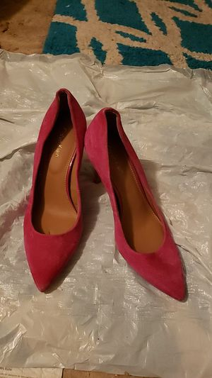 CALVIN KLEIN HEELS SIZE 5 for Sale in Fort Worth, TX