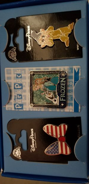 Disney Pins Park Pack Set with Limited Edition Frozen for Sale in Chino, CA