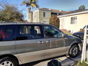 2004 Kia minivan for Sale in Los Angeles, CA