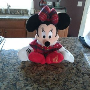 Disney red Minnie Mouse 18in. Plush Dol for Sale in Plainfield, IL