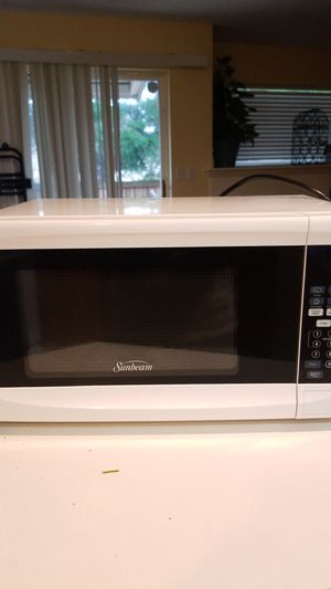 Sunbeam microwave for Sale in Mill Creek, WA
