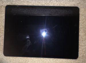 Apple iPad 5th Generation 32GB - Silver for Sale in Union, NJ
