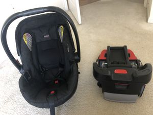 Britax infant car seat and base for Sale in Riviera Beach, FL