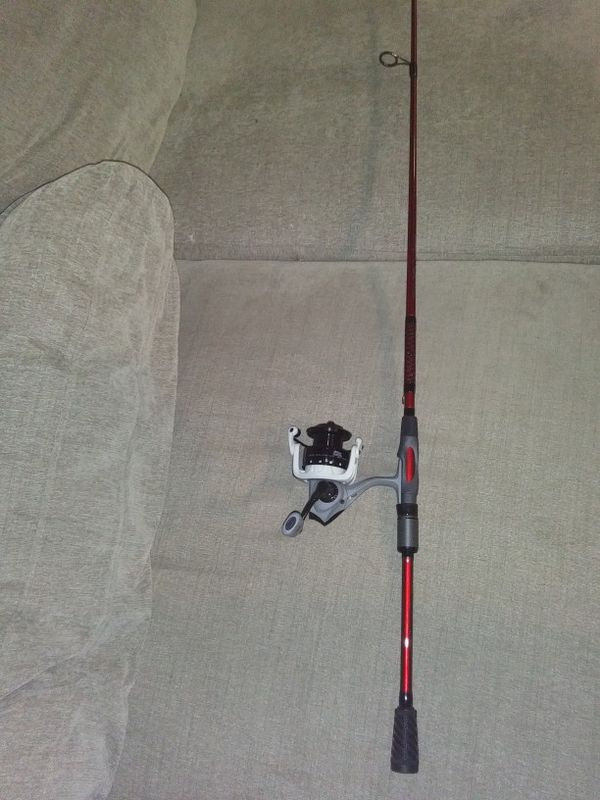 "Abu Garcia MaxZ 40. Paired With A 7'3"" Ugly Stick CARBON ROD"