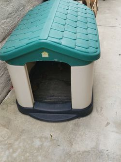 Dog House 43x31x29 for Sale in Trabuco Canyon,  CA